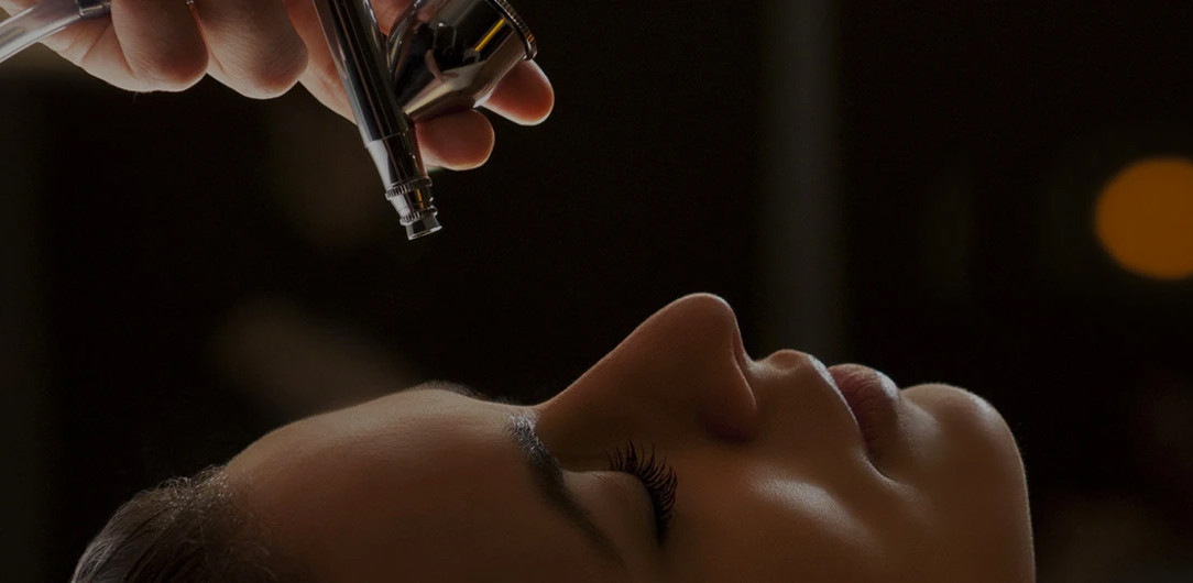 Advanced skincare formulations and facials from Linda Meredith.
